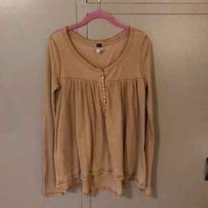 Cute and comfy free people thermal top